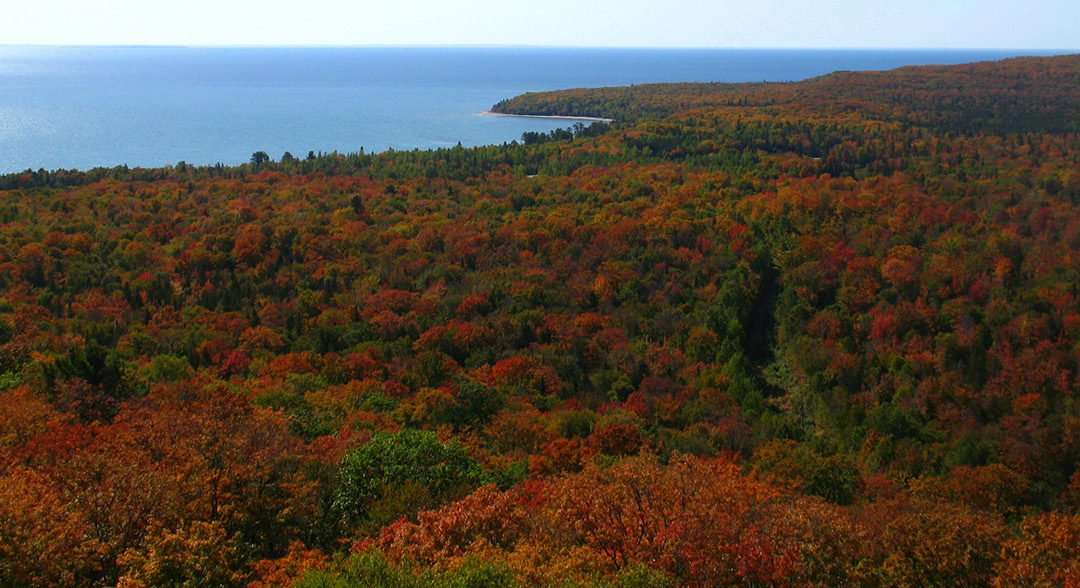 pancake bay provincial park trail lookout